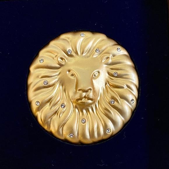 SALE🤪Estée Lauder Ltd Ed. Leo Zodiac Compact 2013